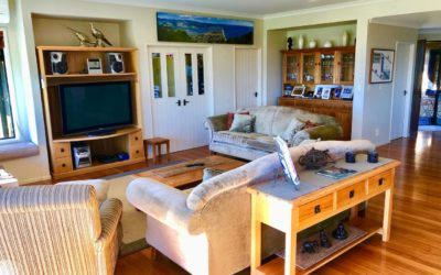 Shared accommodation with big couches and TV